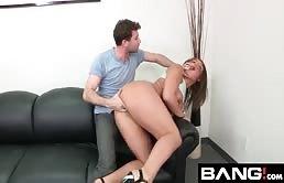 Casting porno hard con Abella Danger