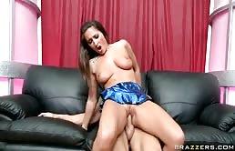 Troia stripper fottuta in diversi posizioni