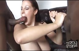 Maiala tettona punisce il suo marito scopando due neri